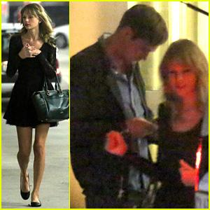 Taylor Swift & Alexander Skarsgard Dine with The Giver Cast