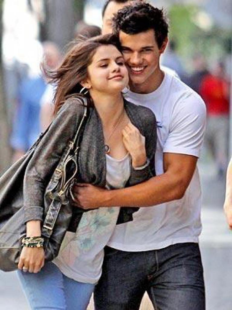 Selena Gomez & Taylor Lautner: Froyo Friends | selena gomez taylor
