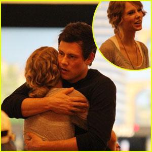 Taylor Swift & Cory Monteith Hug It Out | Cory Monteith, Glee, Taylor