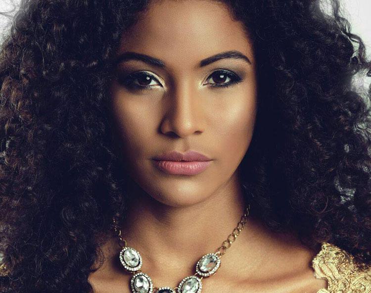 Monalysa Alc  Ntara Mostra Sua Beleza Em Ensaio - Coisas Da Tati