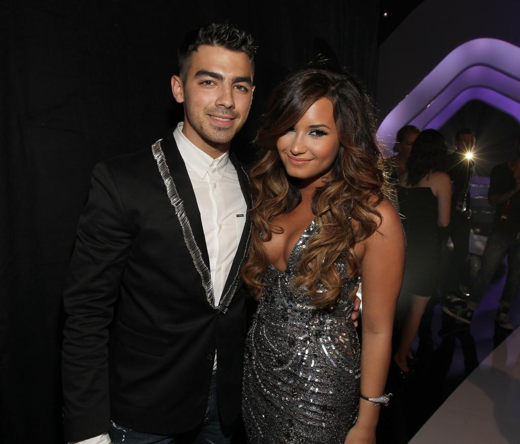 Joe Jonas & Demi Lovato Are Doing a Concert Together - M Magazine
