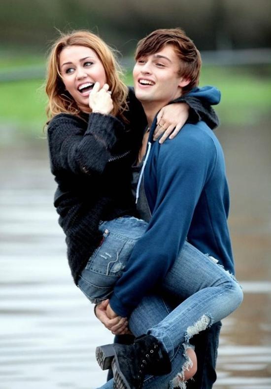 Miley Cyrus & Douglas Booth photos