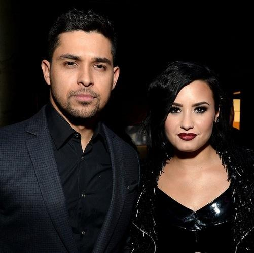 Demi Lovato, Jonathan Fryar photos