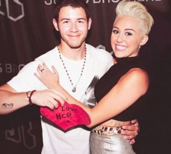 Miley Cyrus and Nick Jonas Manips
