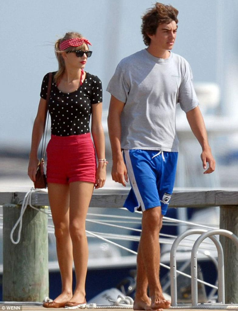 TAYLOR SWIFT and Conor Kennedy Share a Kiss in Massachusetts