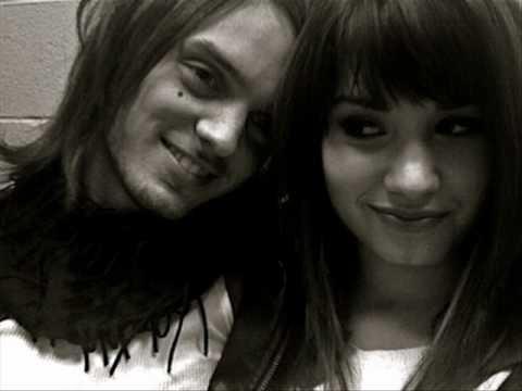 Demi Lovato'nun Tm Sevgilileri | Frm Magazin