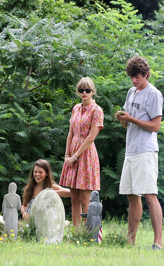 Somber Visit from Taylor Swift & Conor Kennedy: Romance Rewind | E