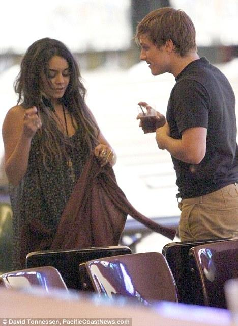 Look of Look of love: Vanessa Hudgens and Josh Hutcherson enjoyed a
