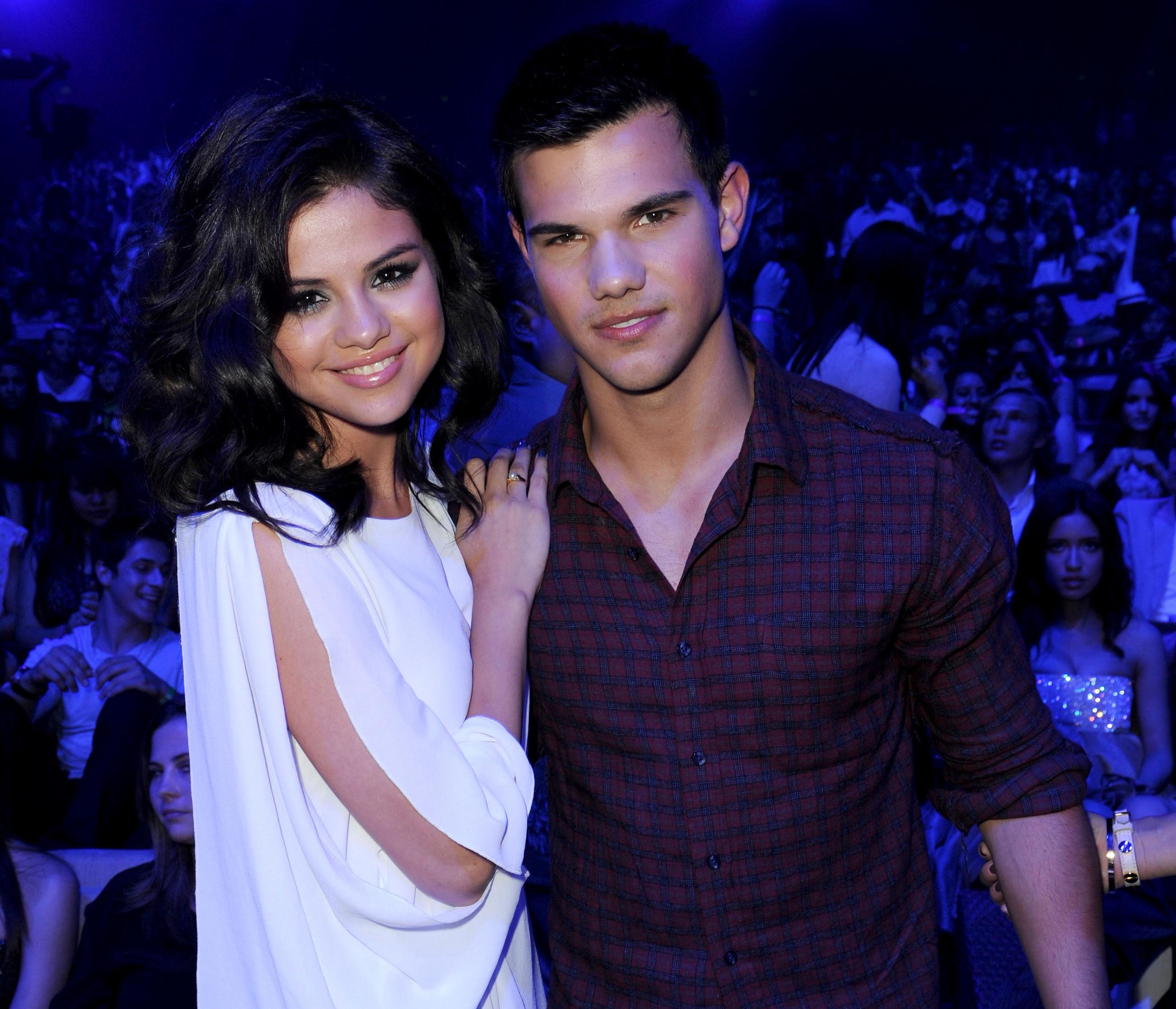 Selena Gomez & Taylor Lautner images selena & taylor