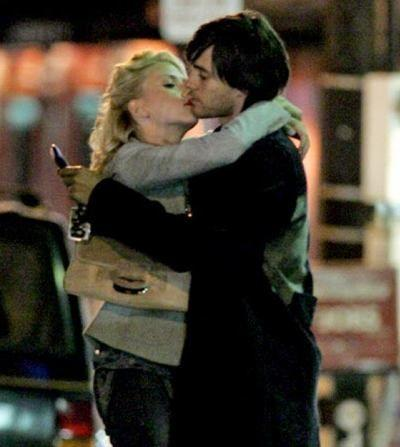 jared leto and scarlett johansson ex kiss picture - lovebirdsblog.com