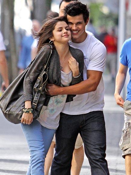 selena gomez and taylor lautner kiss. Selena Gomez, Taylor