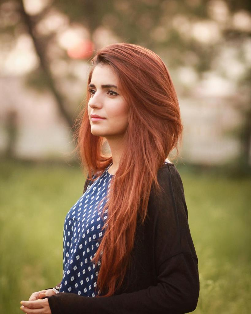 Beautiful & Talented Singer Momina Mustehsan Exclusive Pictures