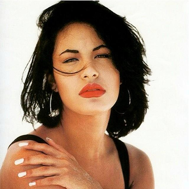 23 Gorgeous Photos Of Selena Quintanilla   HelloBeautiful