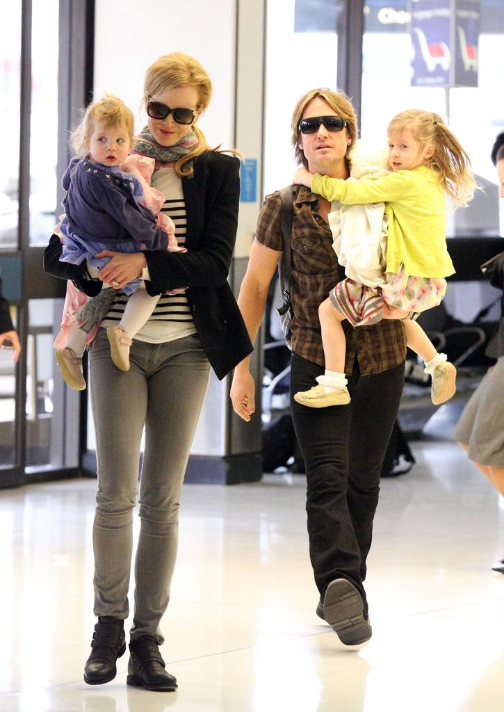 Nicole Kidman And Keith Urban With Daughters Sunday Rose And Faith