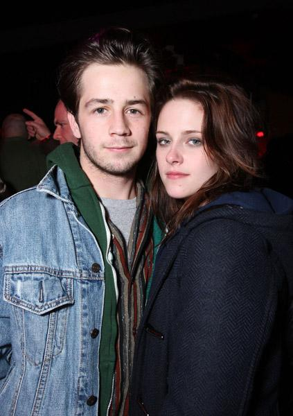 Feb. 27 -- Hugh Jackman and Robert Pattinson teamed up for a karaoke