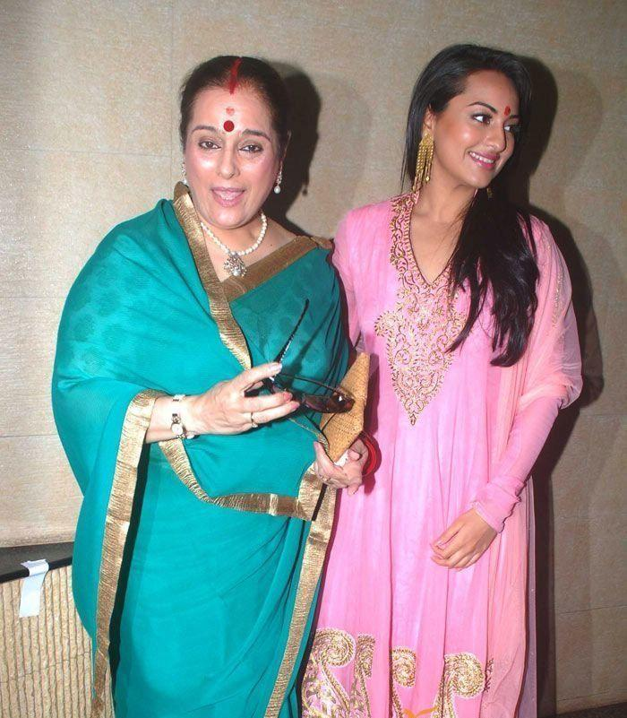 Sonakshi Sinha Family Pictures With Mother Poonam Sinha And Brothers