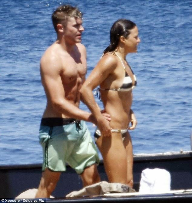 Zac Efron, Michelle Rodriguez, kissing