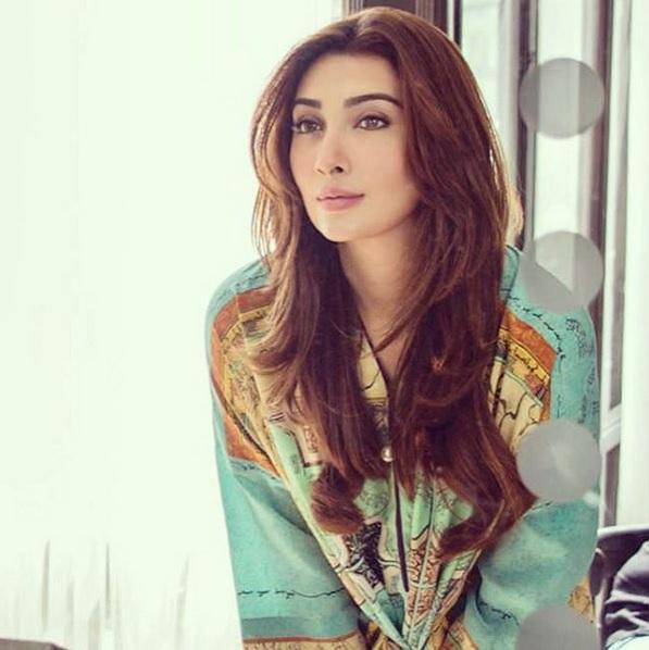 Ayesha Khan Tells The Secret Of Her Beauty And Pics - Farah