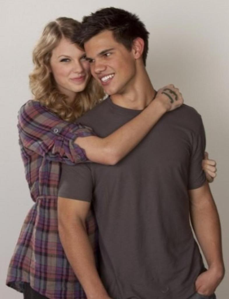 Taylor Swift And Taylor Lautner Photoshoot Images & Pictures - Becuo