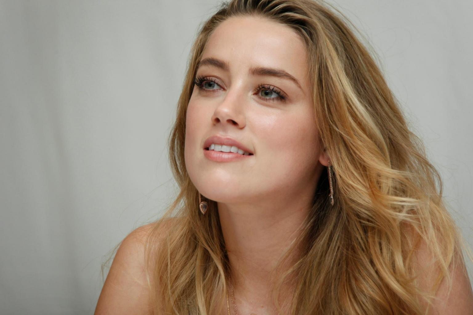 Amber Heard   Geeks & Cleats