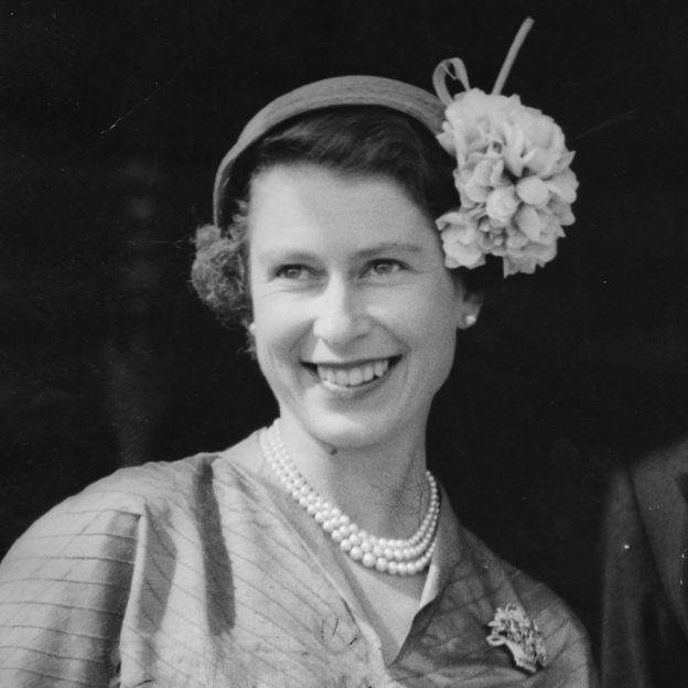 Queen Elizabeth II, 63 Years In 63 Pictures - BBC News