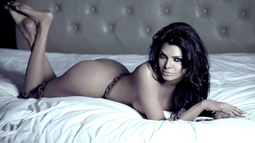 7 Sherlyn Chopra Controversies That Shocked Bollywood