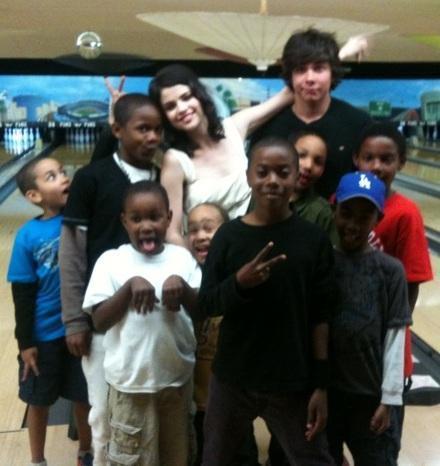 Selena Gomez, Cameron Michael Quiseng bowling