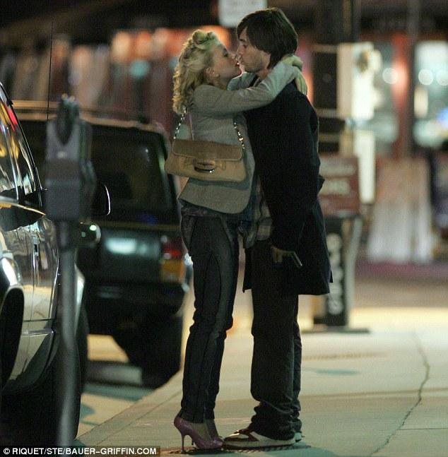Former couple: Scarlett and Jared were caught locked in an embrace in