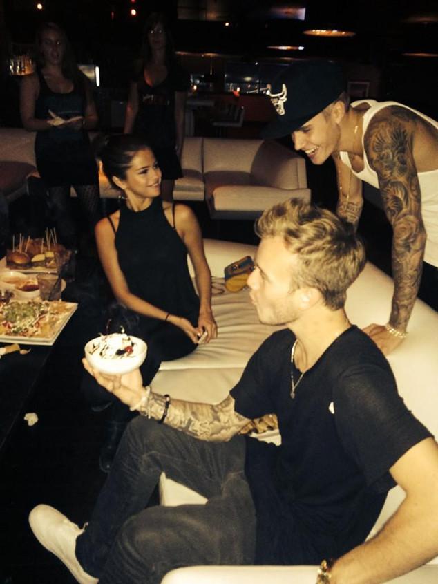 Selena Gomez, Justin Bieber, Twitter