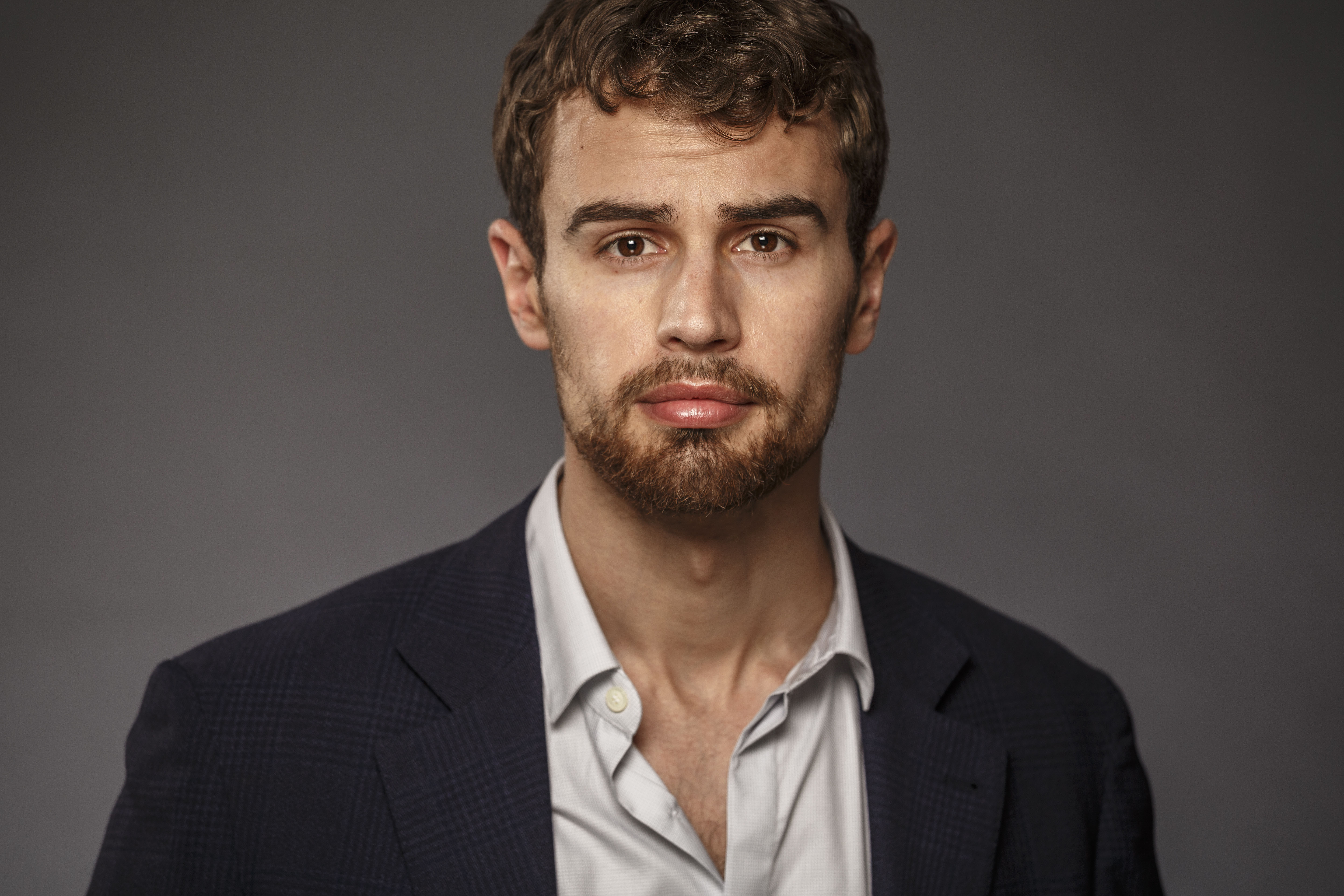 Actor Theo James Relishes This 'Divergent' Experience   Hero Complex