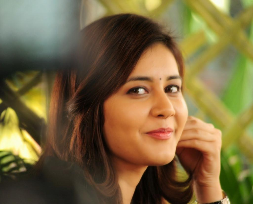 Actress Rashi Khanna In Sandal Choli Photos Stills Gallery HD