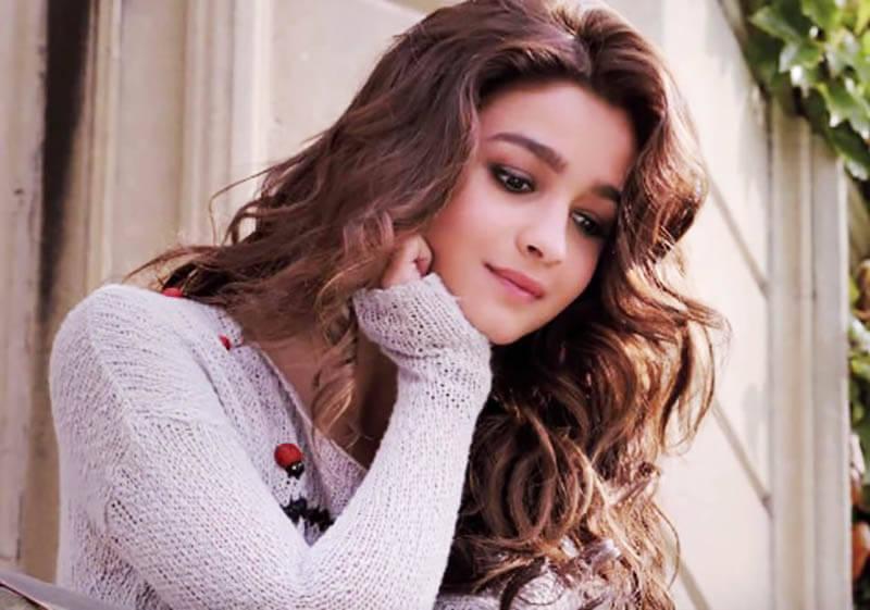 Alia Bhatt Height, Age, Weight, Boyfriends, Affairs, Bra Size