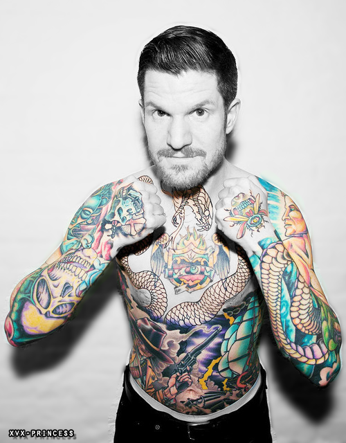 Andy Hurley 2016: Dating, Smoking, Origin, Tattoos & Body - Taddlr