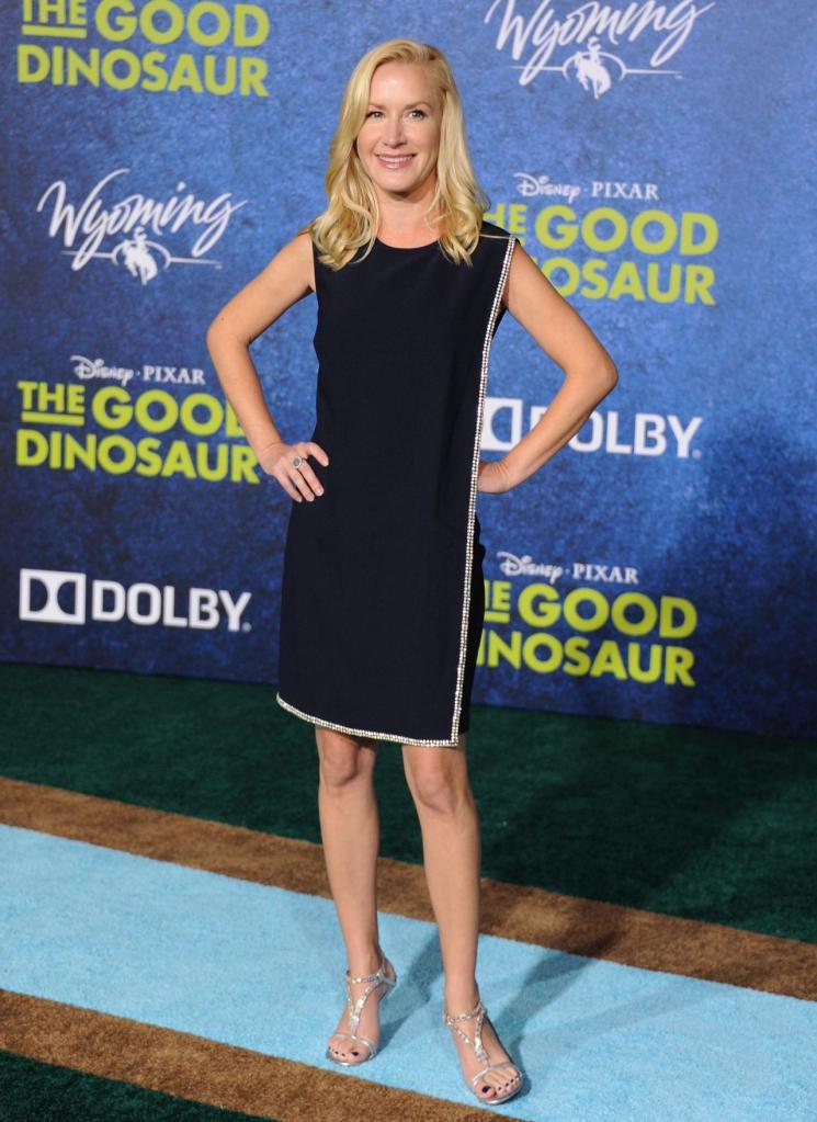 Angela-kinsey-the-good-dinosaur-premiere-in-los-angeles-premiere-at-el-capitan-theatre_1.jpg