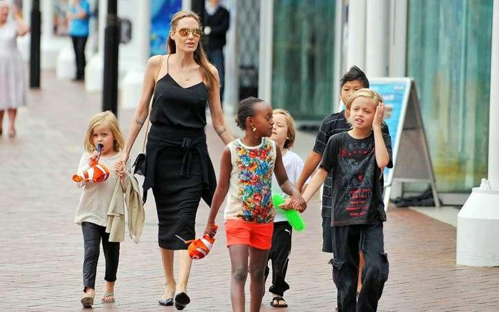 Angelina And Brad Twins Knox Leon And Vivienne Marcheline Jolie-Pitt