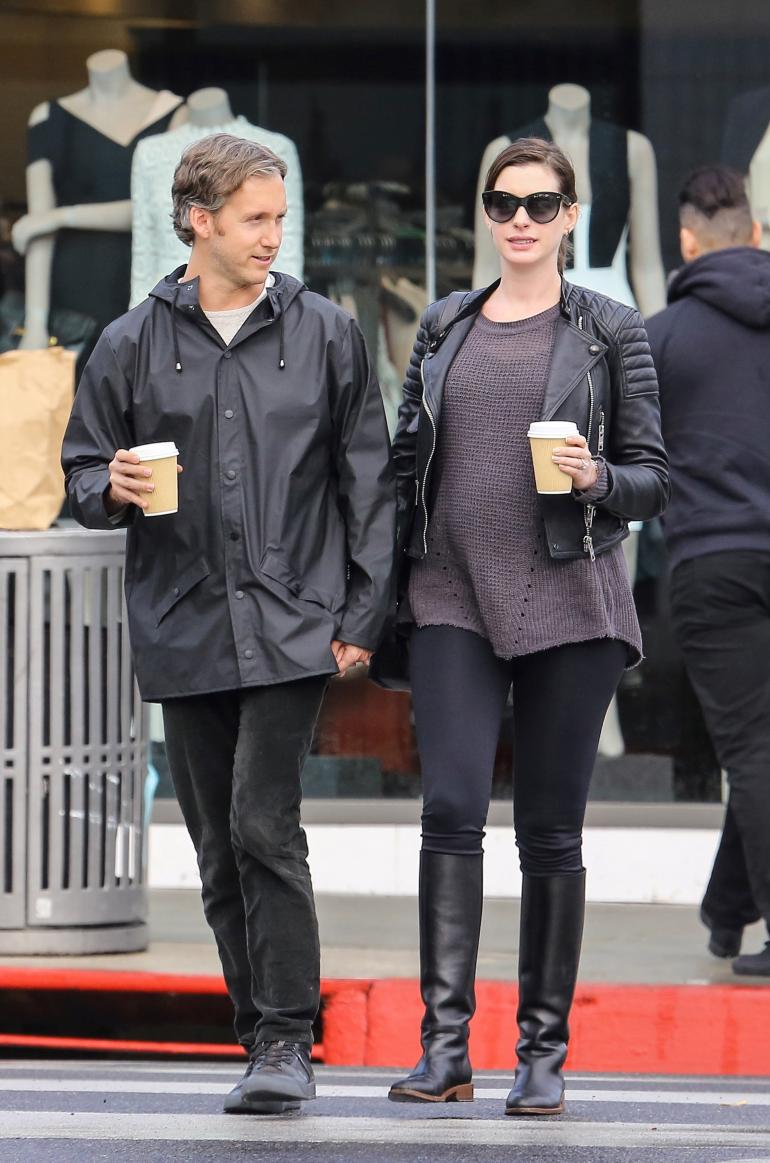 Anne Hathaway's Baby Bump Photos Are Adorable! See The Latest
