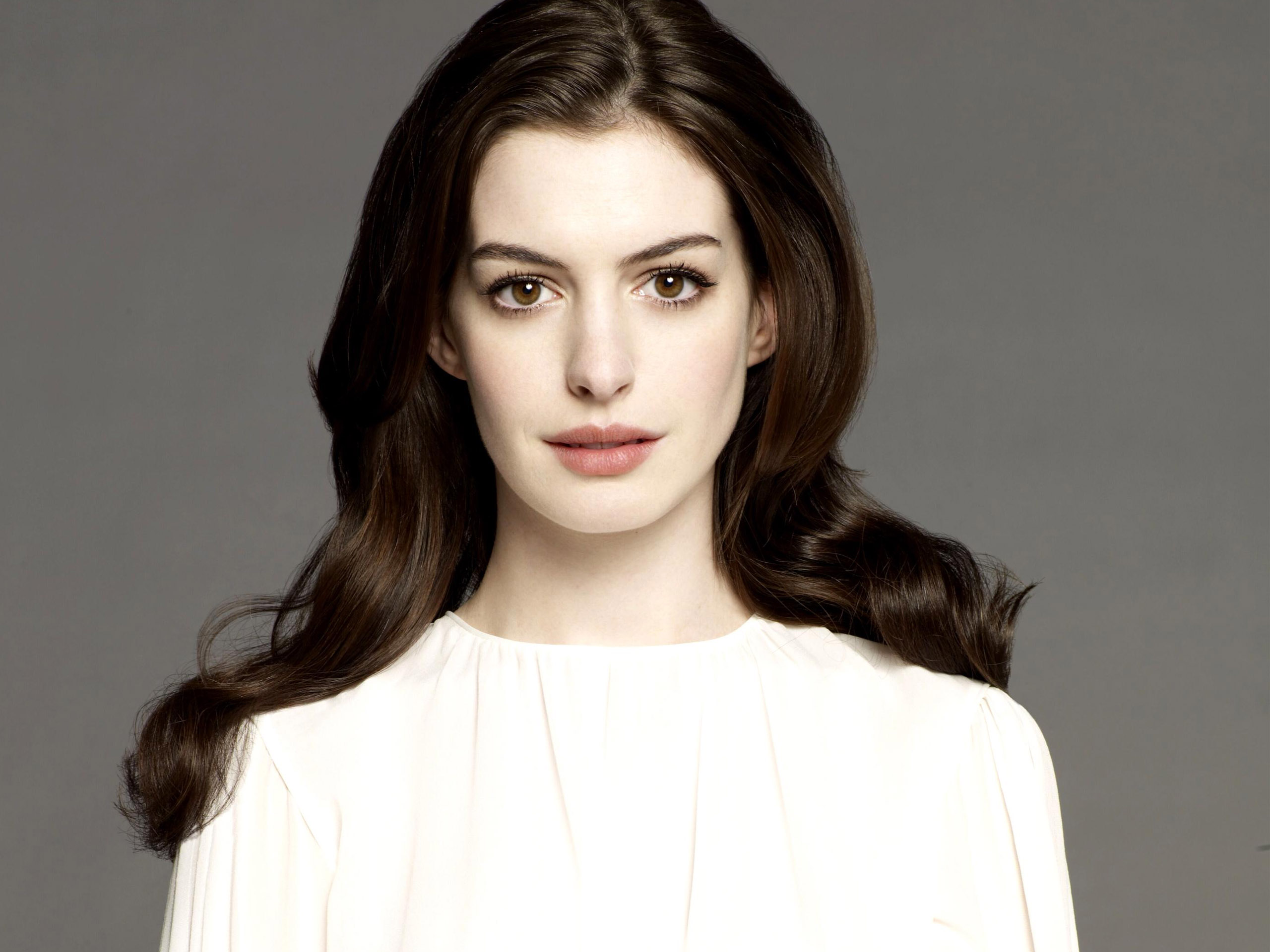 Anne Hathaway - Bio, Family, Facts, Age: 33   Hot Birthdays