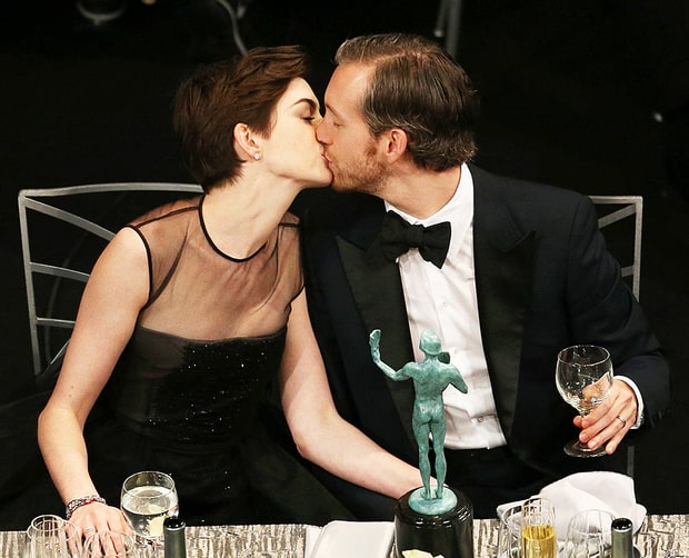 Anne Hathaway Expecting First Child With Adam Shulman - Us Weekly