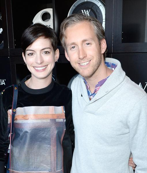 Anne Hathaway Is Expecting With Hubby Adam Shulman, Shows Off Baby