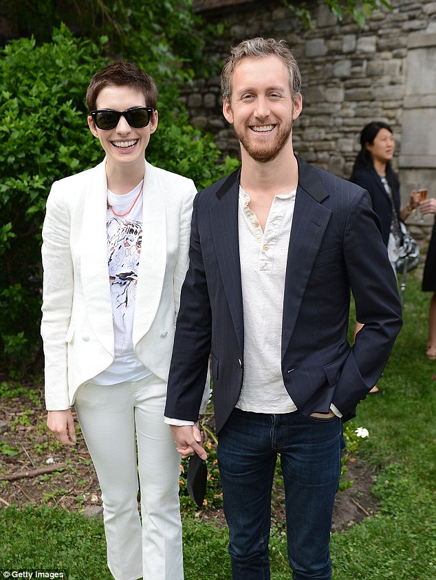 Anne Hathaway Reveals How Husband Adam Shulman Proposed   Daily