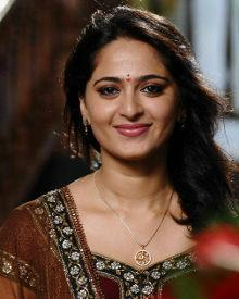 Anushka Shetty Biography, Wiki, DOB, Family, Profile, Movies, Photos