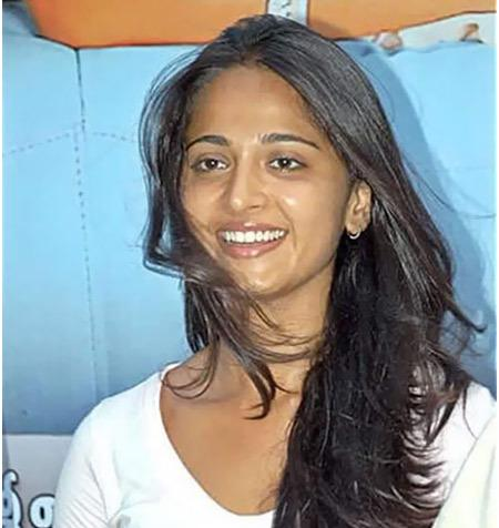 Anushka Shetty Without Makeup - Top 10 Beautiful Pictures