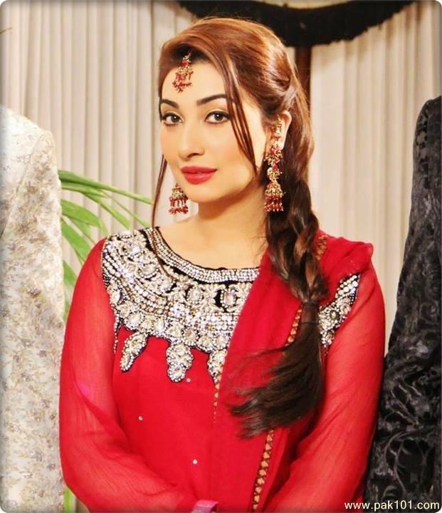 Ayesha Khan Movies And Drama List, Height, Date Of Birth & Net Worth
