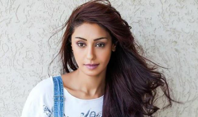 Bigg Boss 8: Is Mahek Chahal Sexier Than Karishma Tanna