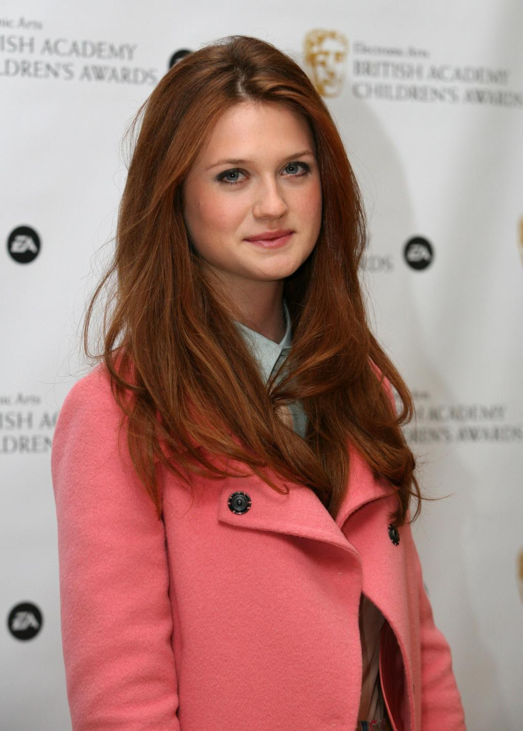 Bonnie Wright Height And Weight Stats - PK Baseline- How Celebs Get