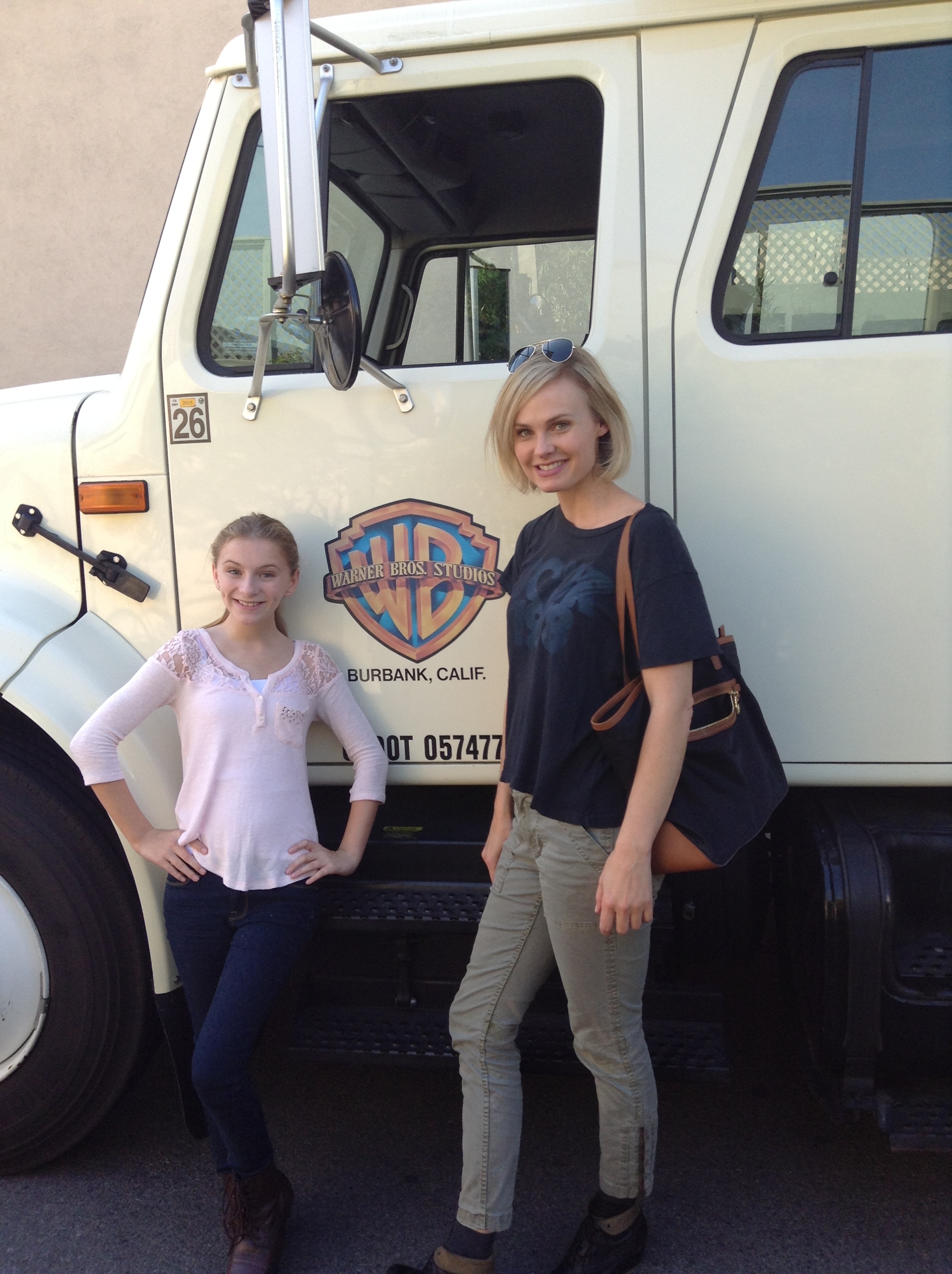 Brooke Liz And Annie Little On The Set Of Showtime's Shameless