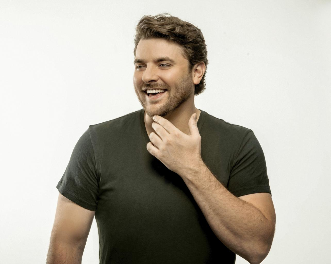 Chris Young Pays It Forward   Hot Country 103.5