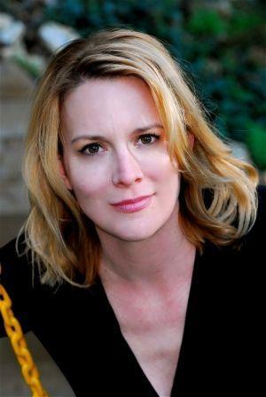 Coeur Libre': Interview With American Artist Laurel Holloman