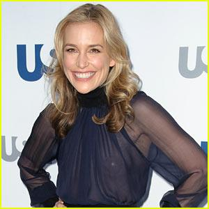 Covert Affairs' Piper Perabo Marries Longtime Love Stephen Kay