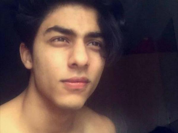 DAMN HOT PICS: SRK's Son Aryan Khan Posts New Shirtless Selfies
